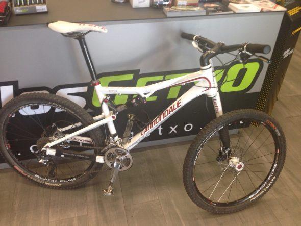 Segunda mano RZ120 0 talla 1.200 Euros